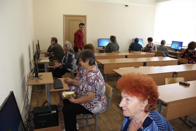 Подготовка пользователей старшего поколения в сфере компьютерной грамотности